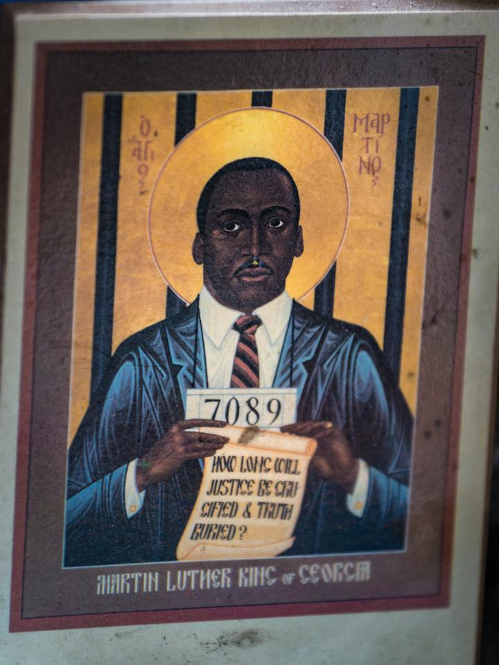 Wavy Gravy's shrine - MLK booking photo icon