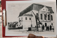 This picture shows what the great synagogue looked like.  Look carefully at the house on the left